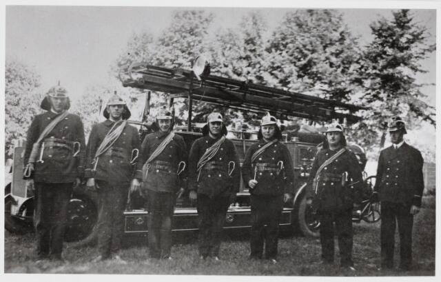 103631 - Brandweer. Wacht bij tentoonstelling Stad Tilburg 1934.