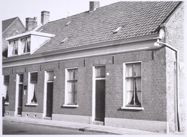 024999 - Panden Laarstraat 16 (links) en 18 (rechts)