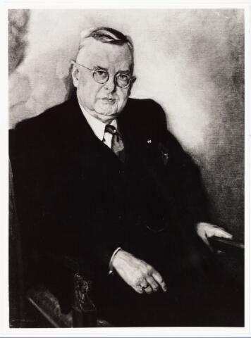 007983 - Schilderij. Taminiau, Ph.L.M.M. arts geboren Utrecht 9 december 1874, overleden Tilburg 13 september 1940. Hij had zijn huisartsenpraktijk aan de Korte Heuvel in het hoekpand t.o. Hotel Mercuur in de Heuvelpoort, waar nu restaurant Storm is gevestigd.