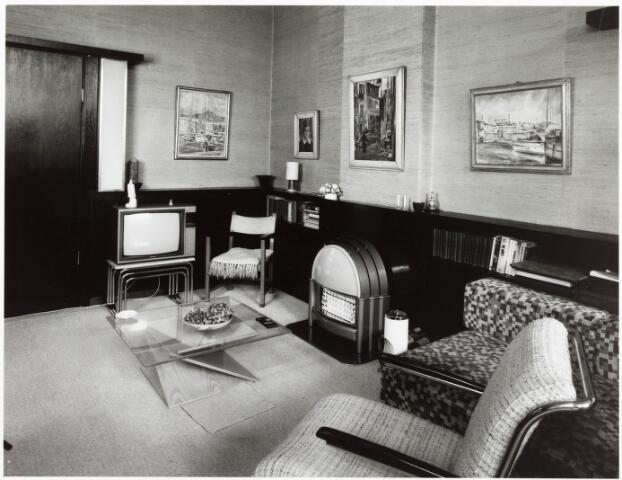 033672 - Huiskamer van architect S. Barenburg aan de Tuinstraat 108.