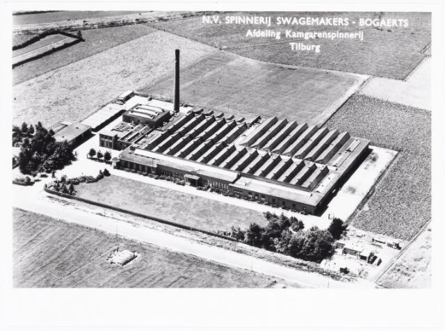 038079 - Textielindustrie. Luchtfoto van de N.V. Spinnerij Swagemakers-Bogaers, afdeling kamgarenspinnerij.