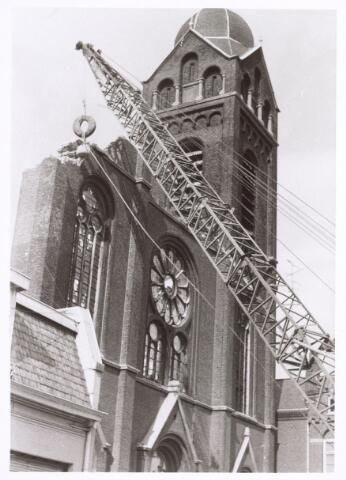 017070 - Sloop van de kerk van de parochie St.-Anna in 1973