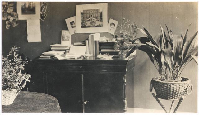 006713 - Interieurfoto van de Familie Brouwers-van Waesberghe. Begin 20ste eeuw