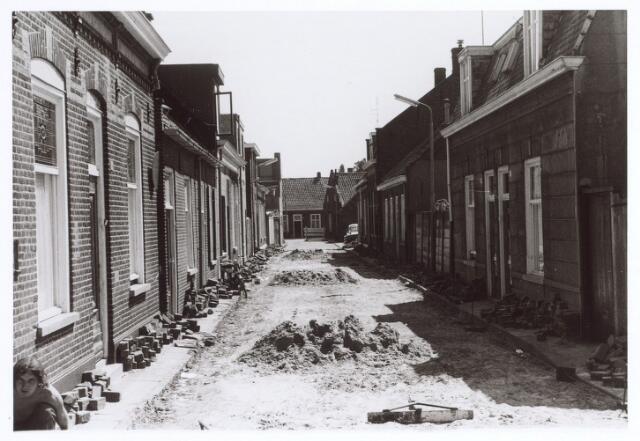 017006 - Wegwerkzaamheden in de Van Bylandtstraat bezien in de richting van de Hasseltstraat