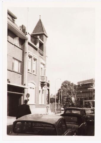 035457 - Rijksmonument. Woning Zomerstraat 49, ontworpen door architect Jan van der Valk.