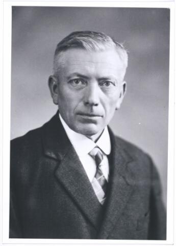 004248 - Cornelis FOUCHIER (1876-1938), van beroep hovenier, aan de Langestraat 92, in 1905 getrouwd met Helena Janssen (Nuenen 1875- ).