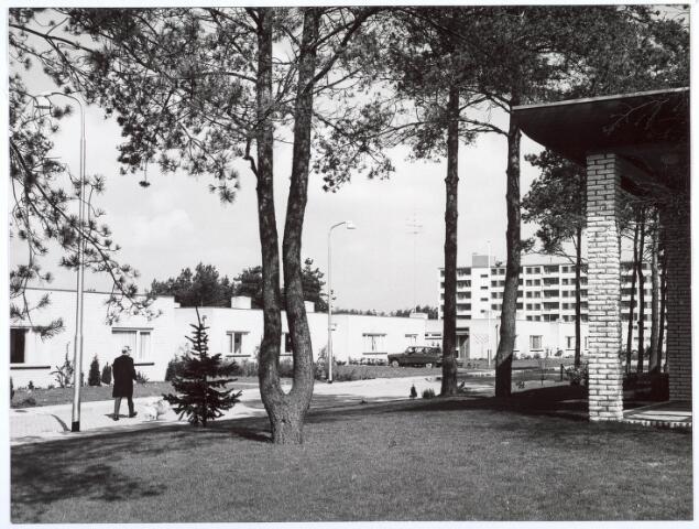 018728 - Patiowoningen  van architect J. Mulder aan de Geerten Gossaertdreef