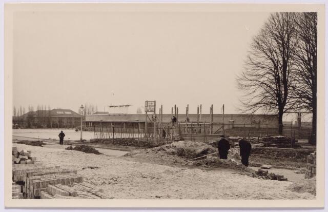 043452 - Wegwerkzaamheden in de nabijheid van het gemeentelijk sportpark op de kruising Ringbaan-Zuid -Goirleseweg. Links op de achtergrond de koning Willem II kazerne.