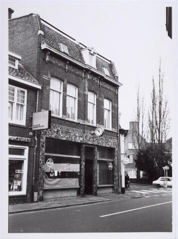 014240 - Winkel/woonhuis op de hoek St.-Annaplein - Onze Lieve Vrouweplein