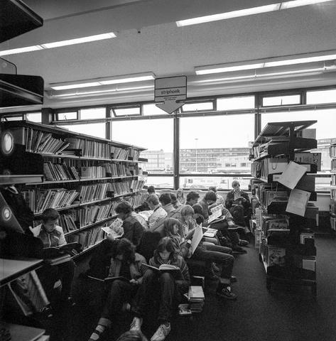 D-002432-1 - Bibliotheek