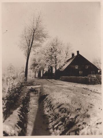 027897 - Oud Lovenstraat in de sneeuw.