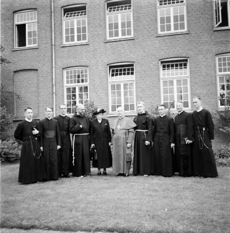 050214 - Priesterwijdingen, paters capucijnen.