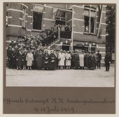 075483 - Officiële ontvangst R.K. Smedenpatroonsbond te Oisterwijk op 29 juli 1929.