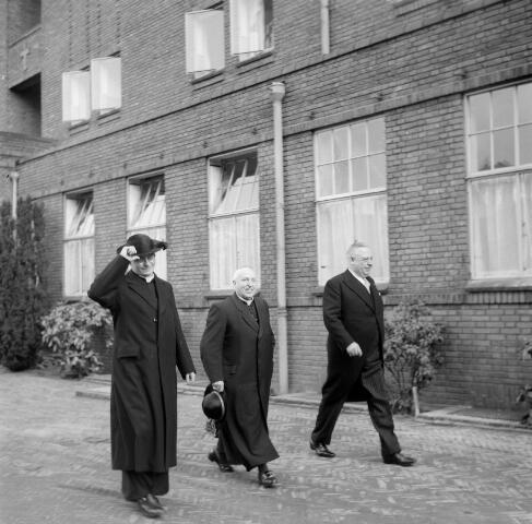 050535 - Elisabethziekenhuis. 125-jarig bestaan van de stichting ´Het R.K. Gasthuis´en 25 jarig bestaan St. Elisabethziekenhuis.