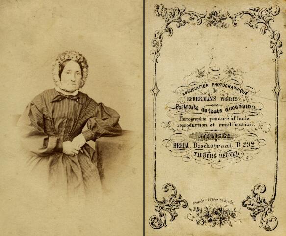 603038 - Onbekende dame gefotografeerd in het atelier van de gebroeders Kerremans aan de Heuvel te Tilburg. De gebroeders Kerremans verbleven tussen 1870 en 1875 korte tijd in Tilburg en maakten één a twee keer per week opnames van hun klanten.