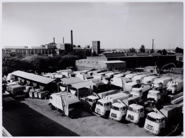 101981 - Gemeentereiniging en vervoer aan de Insulindestraat. Wagenpark.