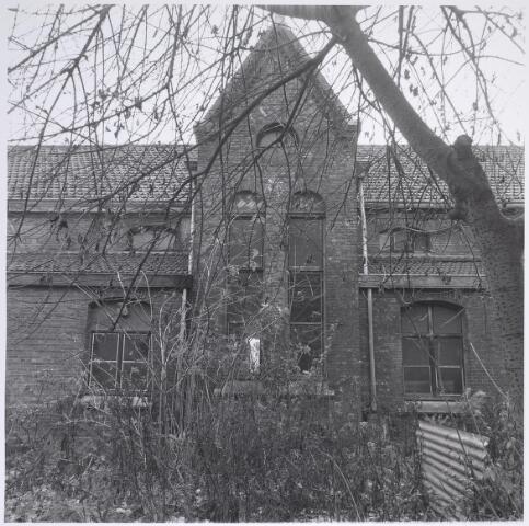 025294 - Achterzijde van het voormalige St. Rochusgesticht aan de Lange Nieuwstraat in december 1979