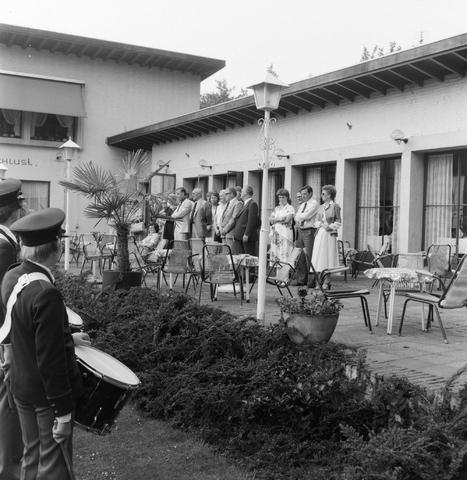 1237_012_986_006 - Viering van een jubileum van textiel firma Van Besouw bij restaurant Boschlust in Goirle in juni 1980.