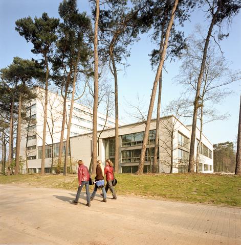 D-000386-1 - Tilburg University, gebouw van de TIAS School for Business and Society (Bouwbedrijf Remmers)