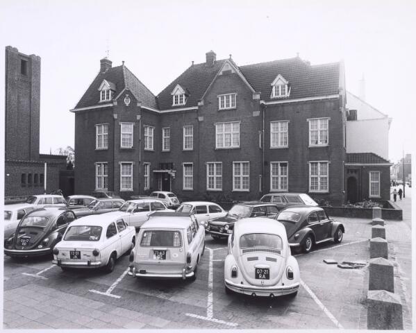 018547 - Pand Gasthuisring 16 naast de kerk van O.L. Vrouw van Altijddurende Bijstand. Het werd eind 1981 gesloopt