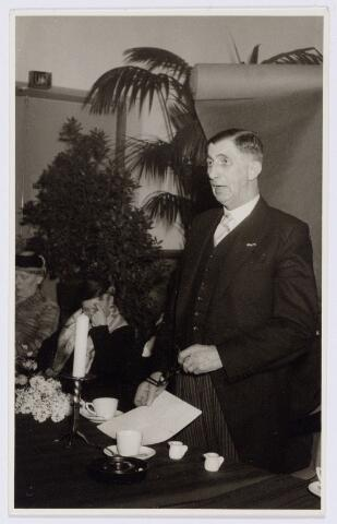 104210 - Personeel. Receptie ter gelegenheid van een jubileum van de heer H. A.J. Jansen