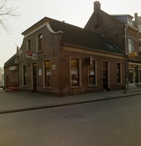 1237_012_955_002 - Horeca. Snackbar. Het exterieur van cafetaria De Engel aan het Sint Annaplein in december 1991.