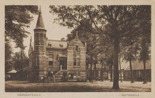 074334 - Het gemeentehuis aan de Lind te Oisterwijk.