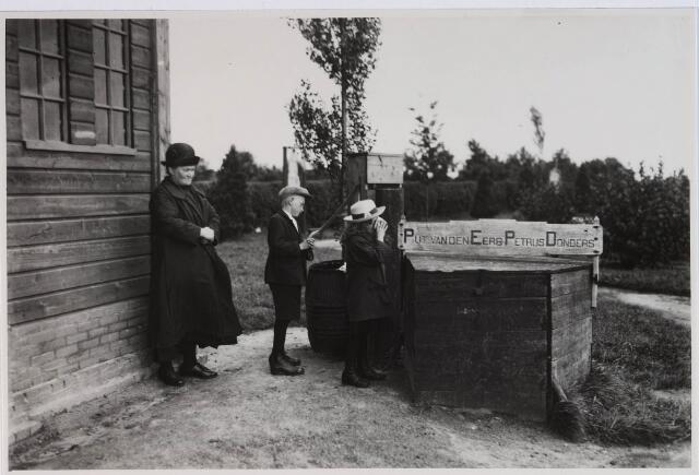 028179 - Waterput bij het geboortehuis van Petrus Donders