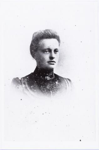 007307 - Cornelia van Puijenbroek geboren te Tilburg 18 juni 1882, overleden te Goirle 12 januari 1953. Zij trouwde Cornelius Theodorus de Kok.