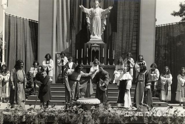 603469 - Moederhuis Tilburg, Schouwtoneel der Wereld. Zilveren feest fr. Prudentius, fr. Angelino, en fr. ?.