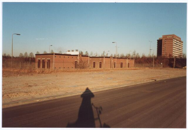 017899 - Elektriciteitshuisjes aan de Dr. Paul Janssenweg op industrieterrein Het Laar.