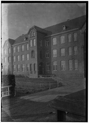 050882 - Klooster en studiehuis, paters capucijnen.