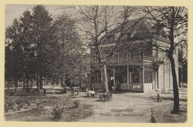 073944 - Hondsberselaan met Huize 'De Hondsberg'  een oude buitenplaats, met waterpartijen, bruggetje, kiosk, pension, restaurant, hotel en opvangtehuis voor slechtziende kinderen o.l.v. dr. Aussems.