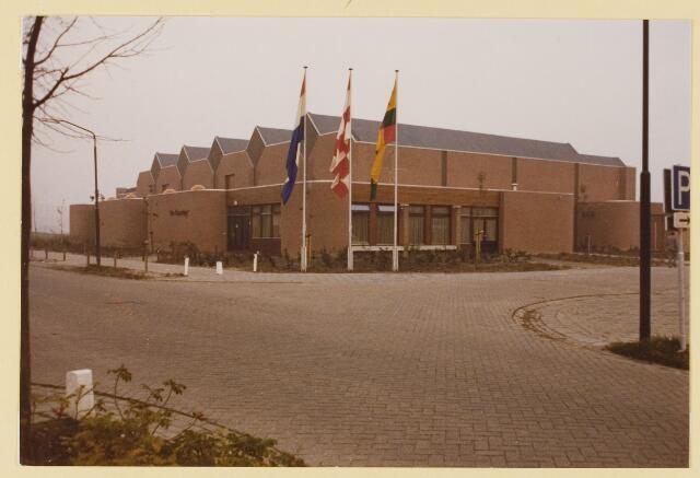 080195 - Opening van sporthal `De Roomley`in 1979.