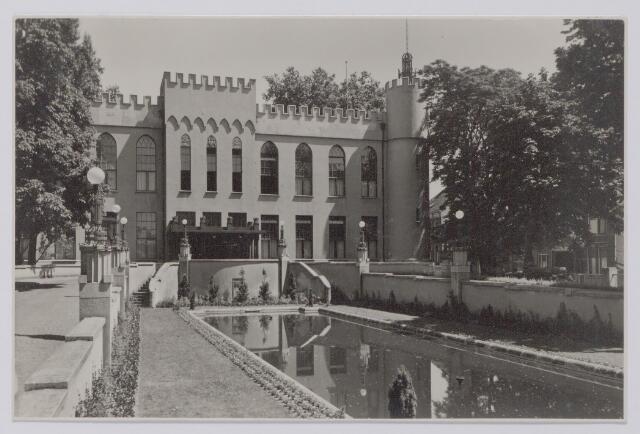 045423 - Vijver voor het paleis-raadhuis, nu Stadhuisplein.