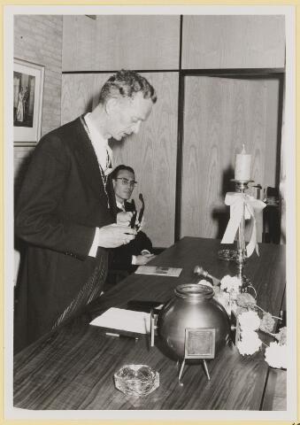 072953 - Opening gemeentehuis door de Commissaris van de Koningin Kortmann.  Bijzondere raadsvergadering. Dankwoord burgemeester.