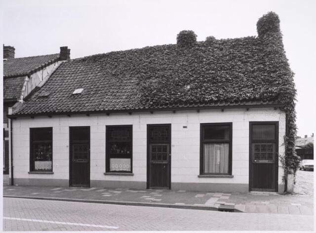 025024 - Panden Laarstraat 28 (links), 30 (midden) en 32 (rechts)