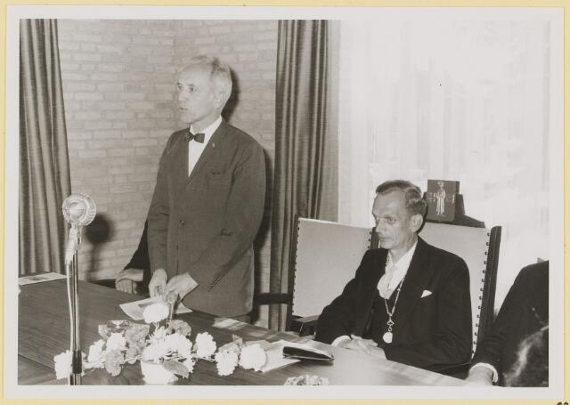 072932 - Opening gemeentehuis door de Commissaris van de Koningin Kortmann.  Bijzondere raadsvergadering. Toespraak van de Commissaris van de Koningin.