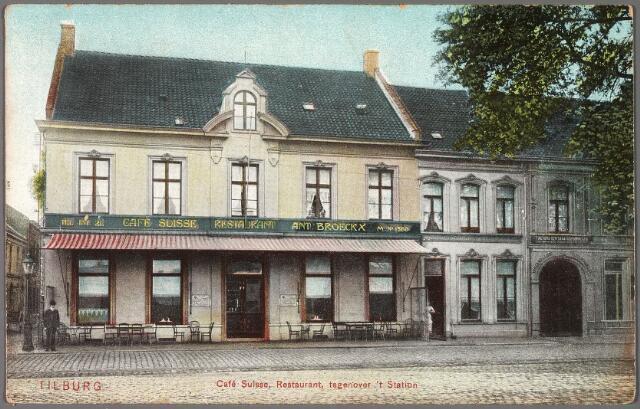 010187 - Hotel Suisse aan de Spoorlaan M1560, vanaf 1910 nr. 114, op de hoek van de Langestraat. Het pand was al bekend als café Suisse in 1879 toen er de duivenclub 'sociëteit l' Hirondelle' thuis was, Het pand was in die tijd eigendom van de familie Broeckx. Hotelhouder Antonius Joseph Broeckx overleed er op 29 november 1918. In 1908 liet hij het hotel ingegrijpend verbouwen onder architectuur van Jos Donders (1867-1960). Jan Leo Jorna was in 1919 de opvolger van Broeckx.