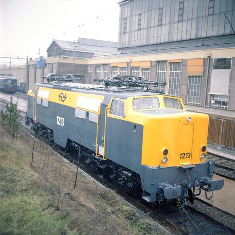 D-002453-1 - Locomotief werkplaats NS.