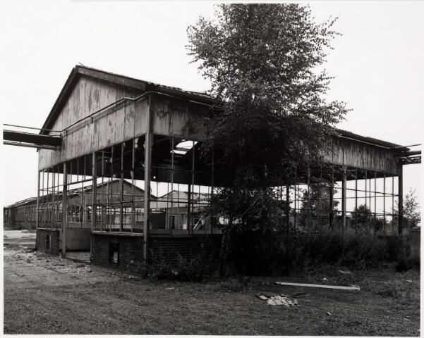 033710 - Chemische industrie. Fabriek van Chemicaliën Franken-Donders United Aniline Works, later N.V. Frado genaamd. Het bedrijf werd in 1980 opgeheven en rond 1986 gesloopt.