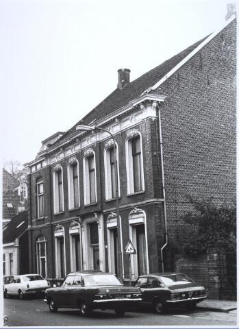 024729 - Fabrikantenwoning aan de Korvelseweg begin 1973