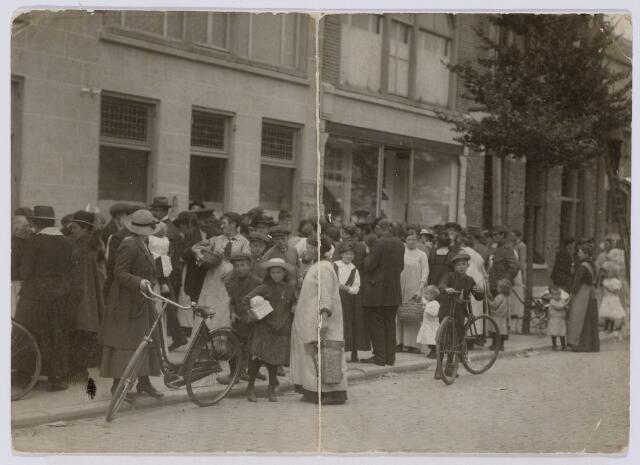 102033 - Distributie van levensmiddelen tijdens de Eerste Wereldoorlog.