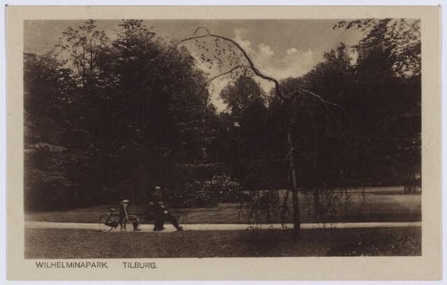 002977 - Wilhelminapark. Met deze ansichtkaart liet W.J. v.d. Wijdeven van de Broekhovenseweg 'de Wel Edel Gestrenge Heeren' weten dat hij 'nog als arbeider, nog als agent niet meer in funcktie wenscht opgenomen te worden'.