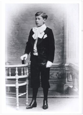 006167 - Eerste communie Karel Verschuuren, zoon van Verschuuren-van Hoof.