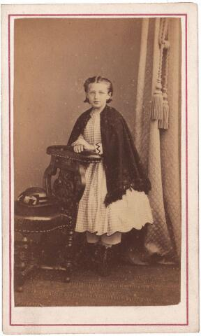 003586 - ...Berghegge, dochter van Josephine Maria Margaretha Houben (1853-1920) en Johannes Antonius Berghegge (1850-1922)