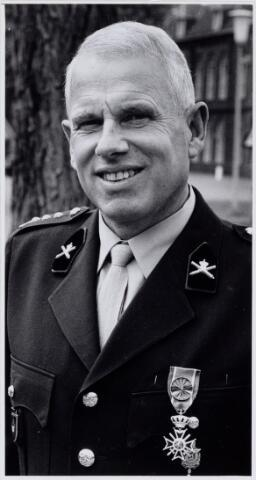 104308 - Koninklijke onderscheiding voor Teunis Willem Albertus Damen geboren 21 augustus 1932.