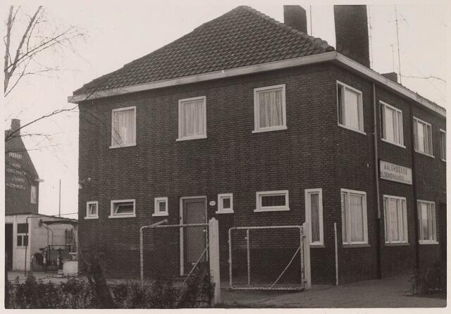 023526 - Pand van de Aalsmeerse Bloemenhandel aan de Enschotsestraat 66, thans Kapitein Nemostraat