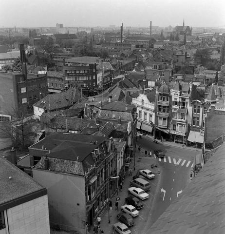 1237_013_068_004 - Oude Markt  Tilburg vanaf de Heikese Kerk