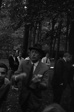 """655160 - Odulphus. """"Dies"""". jaarlijkse feestdag. Sport en spel in het bos.  Odulphuslyceum"""